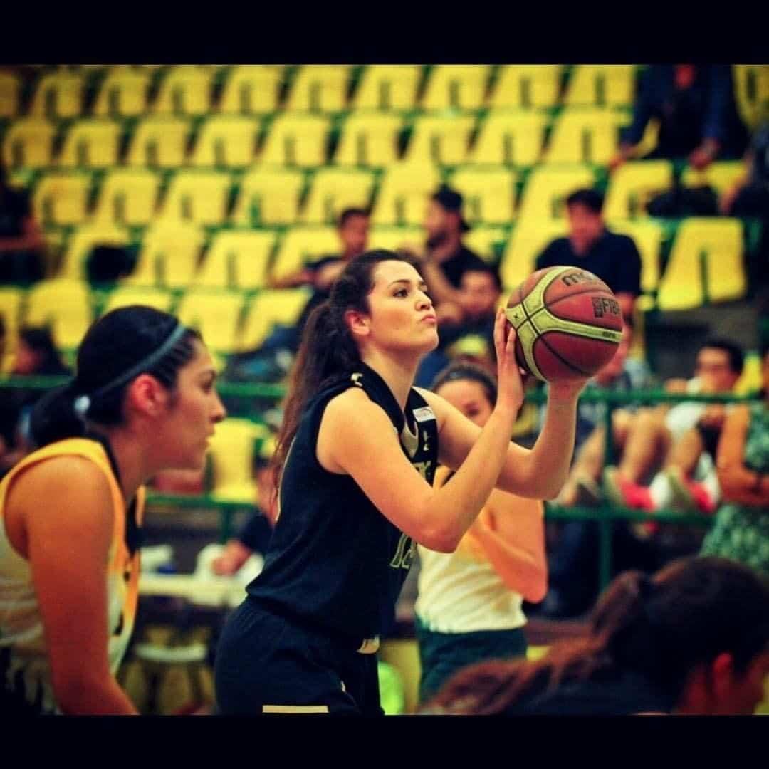 Myriam Lara 4