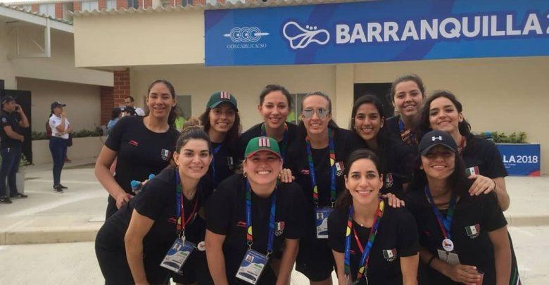 Selección femenil de baloncesto