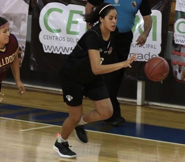 Mariana Valenzuela 4