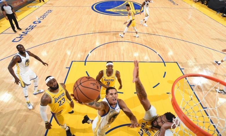 Juan Toscano vs Lakers