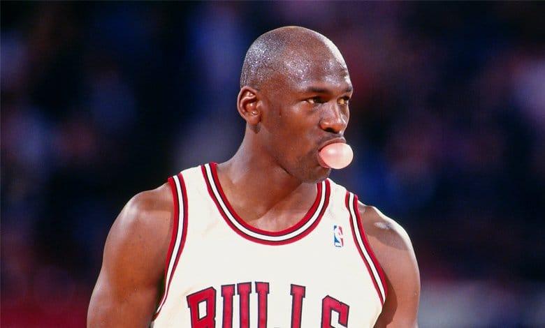 Michael Jordan traspasado a Dallas Mavericks